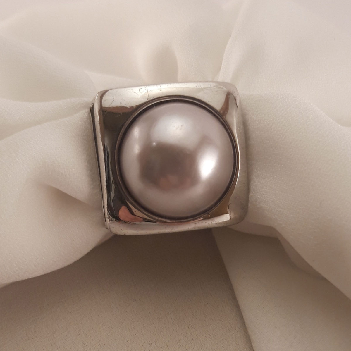 Square Silver Ring With Light Gray Pearl