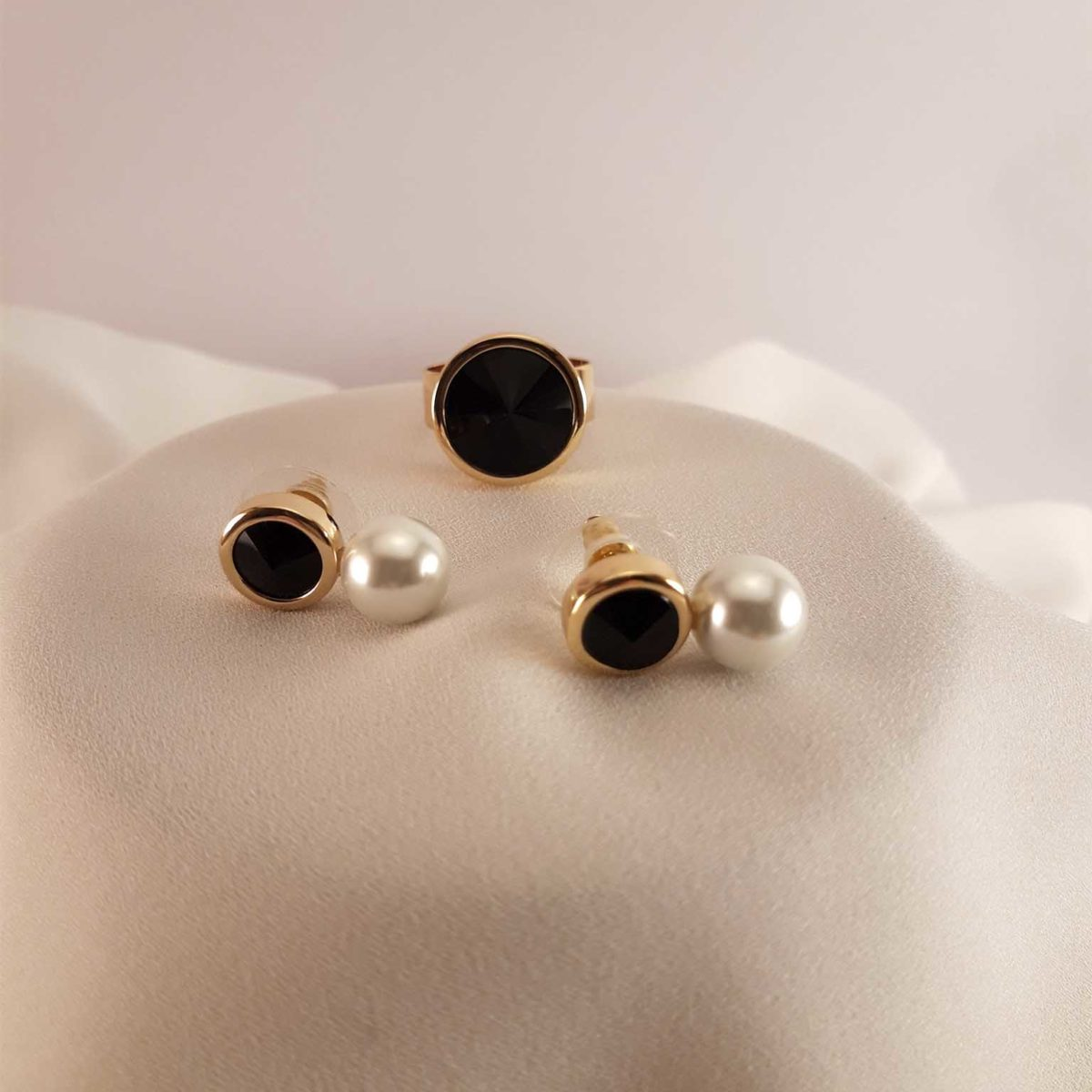 Black Earrings And Ring With Black Glitter