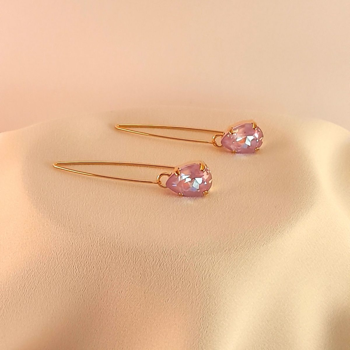 Long Earrings With A Lilac Stone